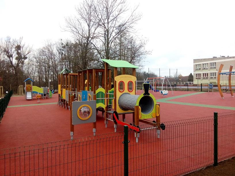 Ilustracja do informacji: Rozwój przestrzeni publicznej poprzez przywrócenie funkcji integracyjnych i rekreacyjnych Parku Miejskiego i jego otoczenia wraz z poprawą funkcjonalności komunikacyjnej w obrębie parku